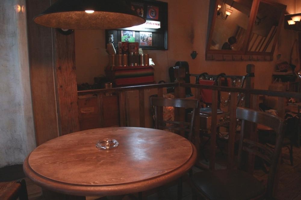 テーブル席②